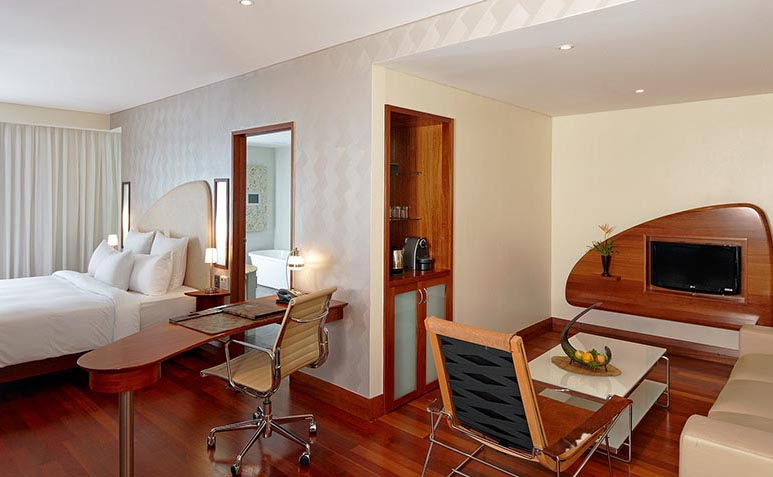 The Dakota Junior Suites at Airways Hotel offer stylish comforts with even more space and amenity.